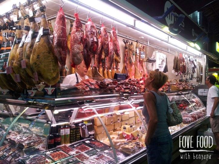 ร้านขาย Jamon ในสเปน ได้แค่ดู