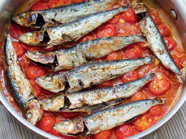 051613-251842-cook-the-book-sardines-in-spicy-tomato-sauce-thumb-625xauto-325493