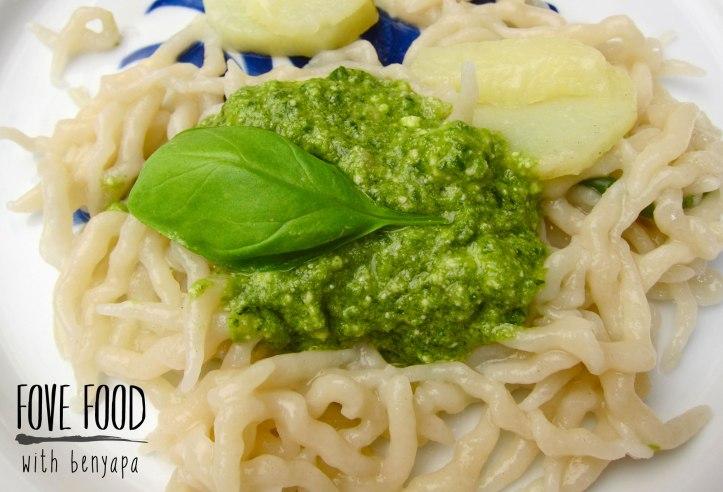 อันนี้เส้นแบบไข่ปกติ แต่ความอร่อยอยู่ที่ซอส pesto ของแคว้น Liguria เอาไว้ว่ากันอีกที